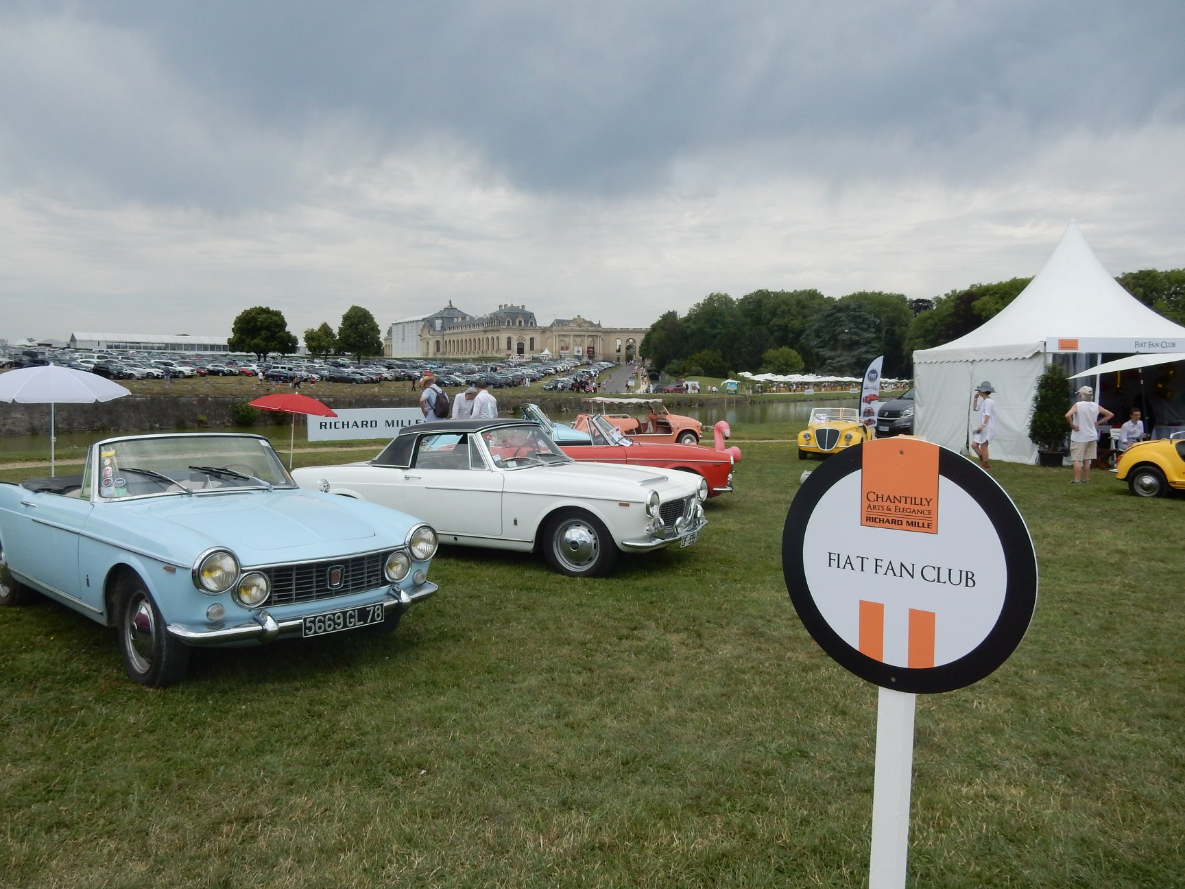 Stand Fiat fan club Chantilly 2019